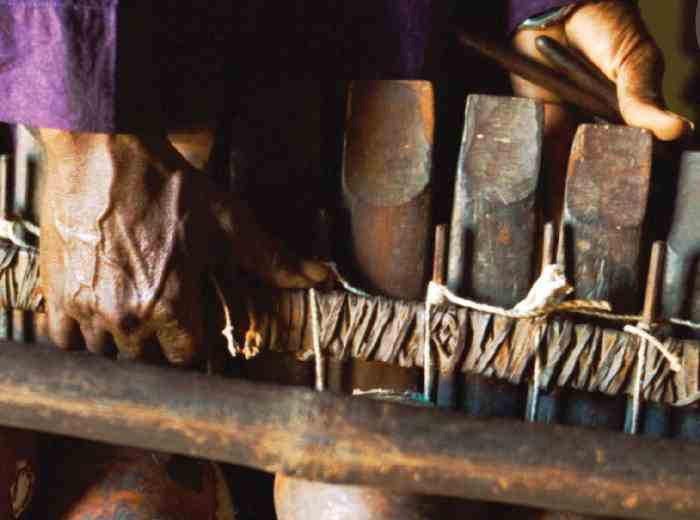 På billedet er en sosso-bala fra Guinea. En sosso-bala er et musikinstrument, en balafon, hvilket betegner en type xylofon. Foto: UNESCO.